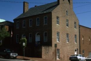 Fredericksburg lodge2