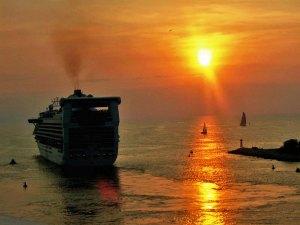 ship leaving PV