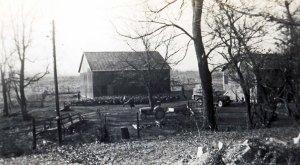 photo of a farm barn