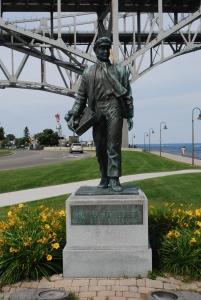 photo of a statue of Thomas Edison