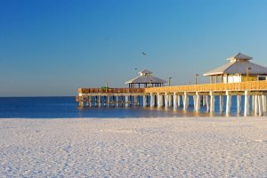 photo of Fort Myers Beach pier